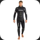 A 2-piece wetsuit 3.5mm built for Freedivers